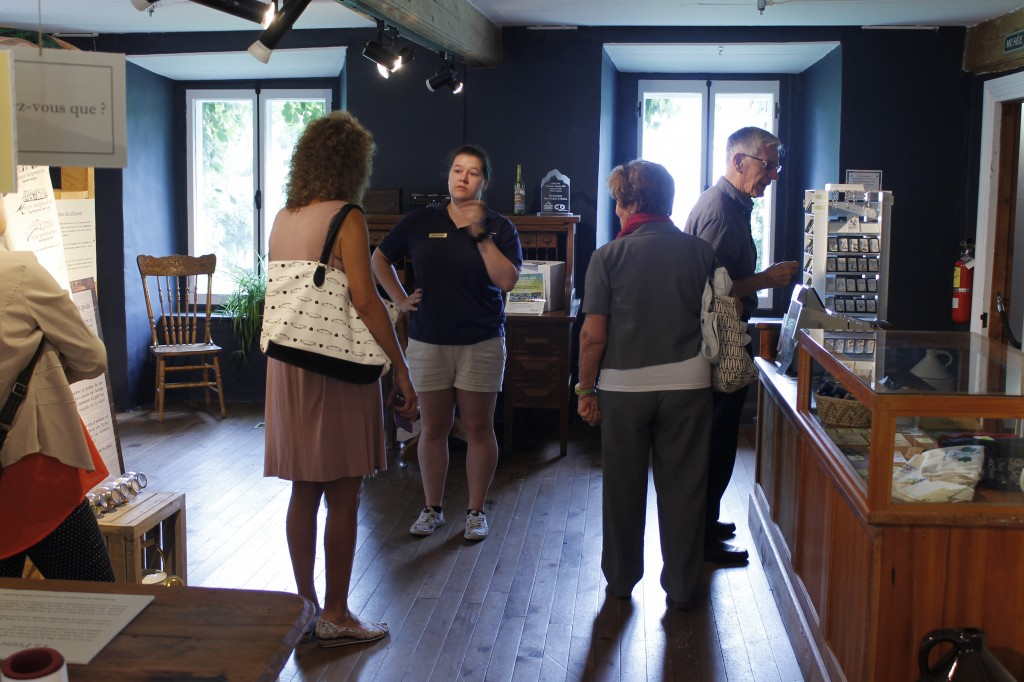 Accueil par notre guide (c) Kyle Scott pour Les Tifault d'Amérique, 2017